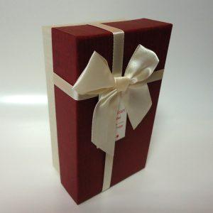 Кутия за подаръци Бордо-Бежово
