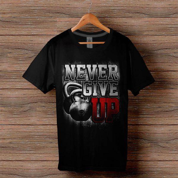 Фитнес тениска Never Give Up