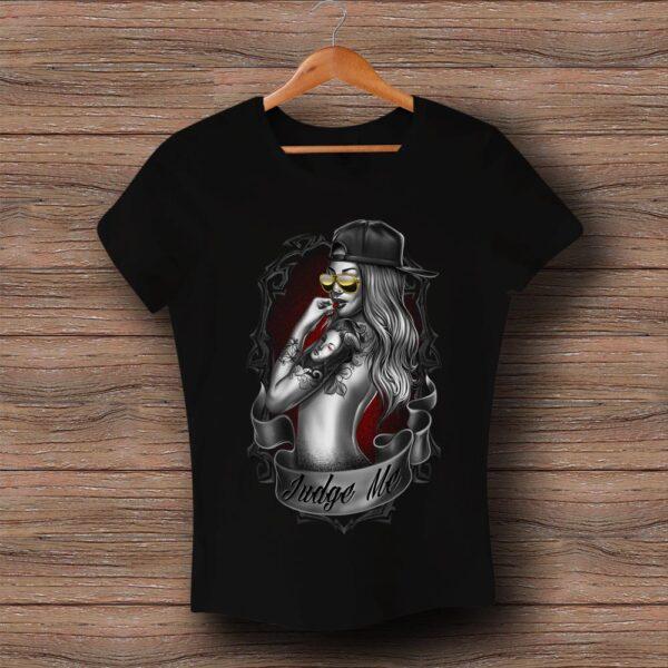 Тениска с щампа Judge Me